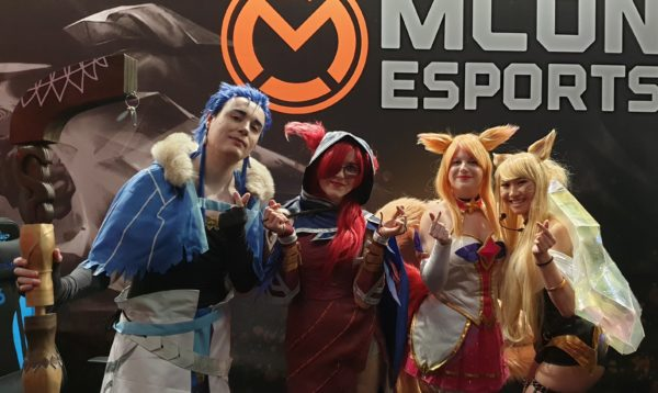 905 cosplay mcon groep